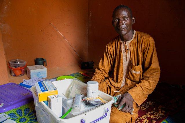 Salissou, een van onze vrijwilligers in Magaria, is klaar voor het volgende consult. ©Mack Alix Mushitsi/MSF