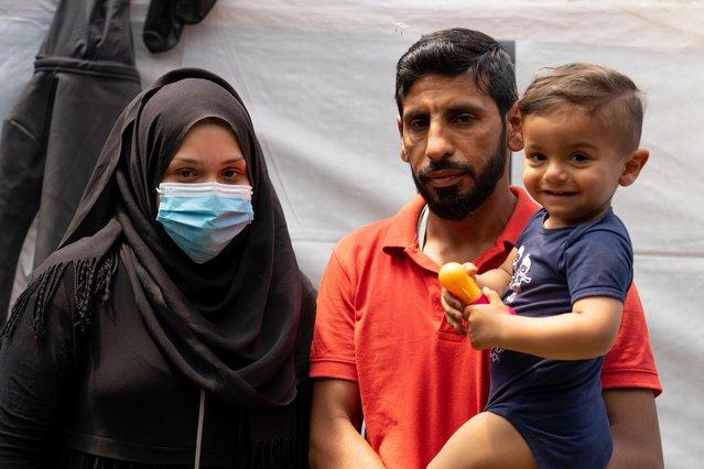 Jaber (37) en zijn vrouw zijn gevlucht uit Syrië. Zij was toen hoogzwanger. Hun zoon (1) is op de vlucht geboren. ©Evgenia Chorou/MSF