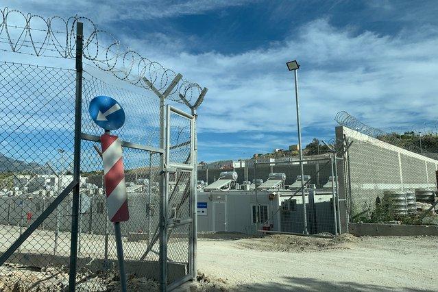 Een nieuw MPRIC-opvangcentrum op Samos. De plek wordt beschreven als een openlucht gevangenis. ©Dora Vangi