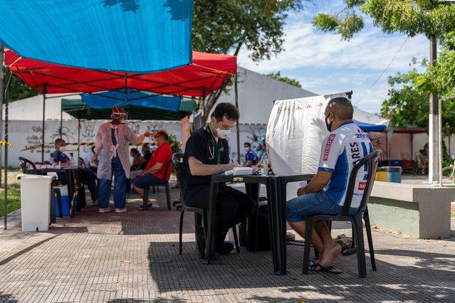 Onze mobiele kliniek staat in Fortaleza hier kunnen alle mensen uit de buurt langskomen voor de juiste zorg.