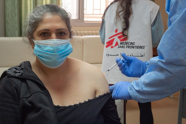 Hulpverlener verpleeghuis Libanon krijgt coronavaccin