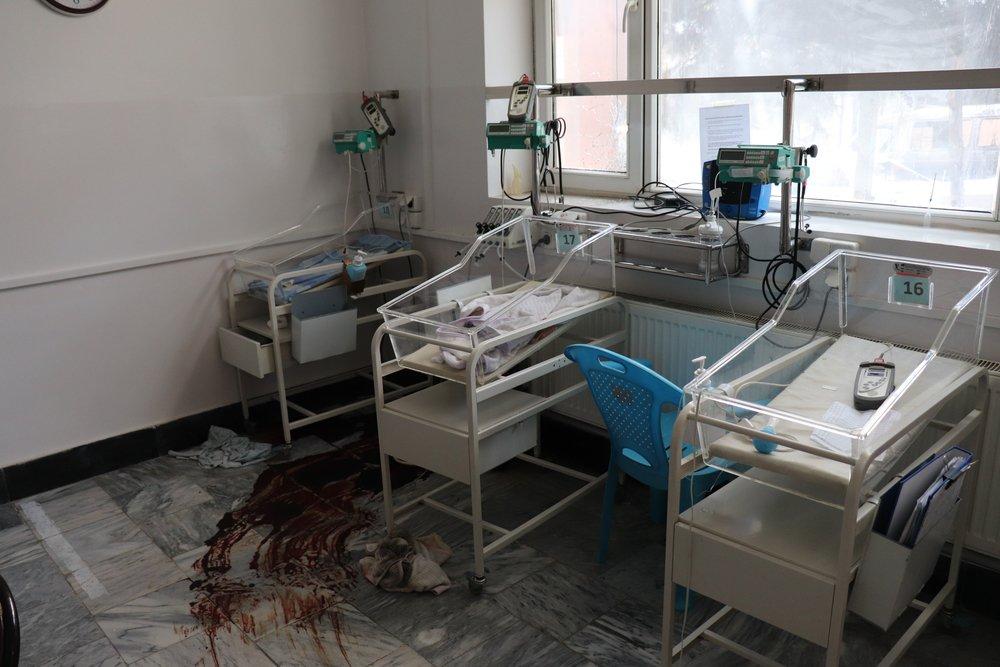 Neonatale unit kraamkliniek Artsen zonder Grenzen na aanval Kabul, Afghanistan © Frederic Bonnot/MSF